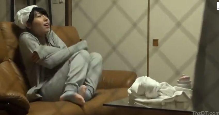 女子大生がテレフォンセックスでマンコを粘液で濡らす様子の盗撮動画
