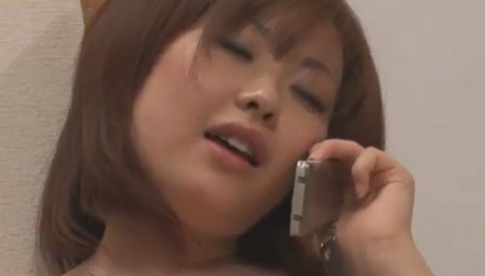 チンポがオマンコに入ってくるぅ♡浜崎りお、テレエッチイキする人妻
